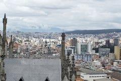 Över huvudet sikt av Quito, Ecuador arkivfoto