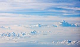 Över molnen Arkivfoto