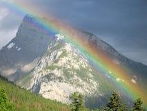 över regnbågen Arkivfoto