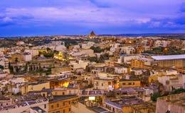 Över sikt av den Victoria staden Gozo, Malta royaltyfria foton