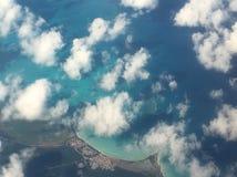 över skyen fotografering för bildbyråer