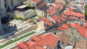 Över taken av Lissabon arkivfilmer