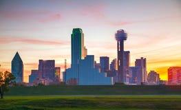 Överblick av i stadens centrum Dallas arkivbilder
