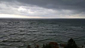 Överblick av skogen och Great Lakes Royaltyfria Bilder