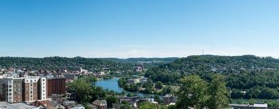 Överblick av staden av Morgantown WV Fotografering för Bildbyråer