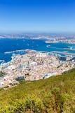 Överblick för stad för stående format för resande för lopp för medelhav för Gibraltar landskapport arkivbild