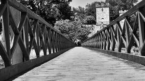 Överbrygga ingången till slotten av Santa Cruz i Santa Cruz Galicia, Spanien Arkivbild