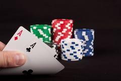 överdängarechiper parar poker Arkivbild