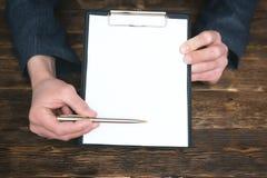 Överenskommelse- eller avtalsåtlöje upp arkivfoton