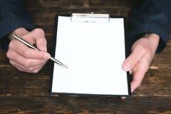 Överenskommelse- eller avtalsåtlöje upp royaltyfri bild