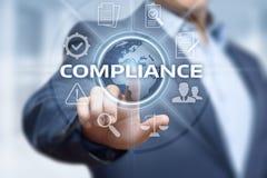 Överensstämmelse härskar begrepp för teknologi för affär för lagregleringspolitik Arkivfoto