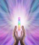 Överföring av chakraen som läker energi Arkivbild