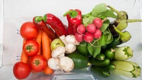Överflöd av frukter och grönsaker Arkivfoton