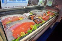 Överflödet av läcker skaldjur visas beautifully på en havs- handelshow i Hong Kong Royaltyfri Foto