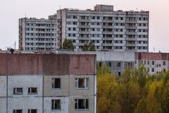 Övergav byggnader av den spökstadPripyat Chornobyl zonen Arkivfoton