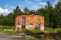 Övergav byggnader i den Leningrad regionen, Ryssland Arkivfoto