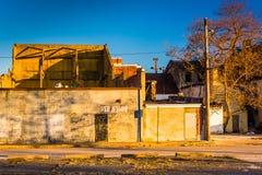 Övergav byggnader near den gamla stadgallerian, i Baltimore, Maryland royaltyfri fotografi