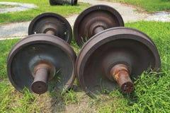Övergav hjul för drev två på gräset Royaltyfri Foto