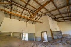 Övergav hus i Kolmanskop, Namibia Royaltyfria Foton