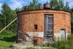 Övergav industribyggnader i den Leningrad regionen Royaltyfri Fotografi