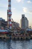 Övergav industriella lättheter i Piraeus, Grekland Arkivfoto