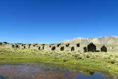 Övergav lantgårdhus i bergdalen Royaltyfria Foton