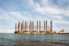 Övergav oljeplattformar Arkivfoton