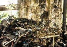 Överge det rostiga avfallsfotoet för den motoriska cirkuleringen som tas i jakarta indonesia arkivfoto