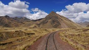 Övergett drevspår i Peru Arkivbilder