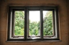 Övergett gammalt hus Arkivbilder