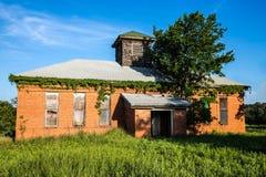 Övergett hus för gammal skola Royaltyfri Fotografi