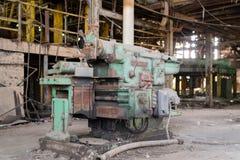 Övergett industriellt maskineri arkivbild