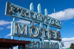 Övergett motell i Truxton, Arizona arkivfoto