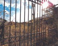 Övergett staket fotografering för bildbyråer