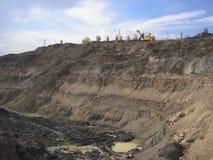 Övergiven öppen kolgruva arkivfoto