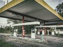 övergiven bensinstation Royaltyfri Foto