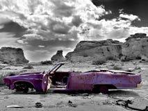 övergiven bil fotografering för bildbyråer