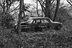 övergiven bil Royaltyfria Bilder