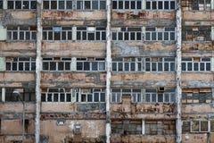 Övergiven bostads- byggnad arkivfoton