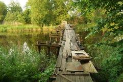 Övergiven bro arkivfoto