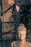 Övergiven Buddha i fred Arkivfoto