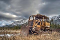 övergiven bulldozer royaltyfri fotografi