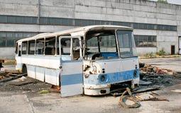 Övergiven buss Arkivbild