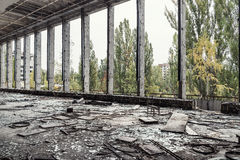 övergiven byggnad Arkivfoto