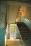 Övergiven byggnad för trappa insida arkivfoton
