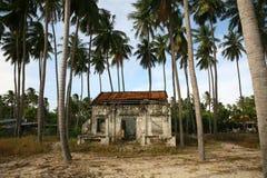 Övergiven byggnad i Vietnam Arkivbilder