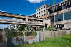 övergiven chemical fabrik Royaltyfri Fotografi