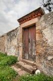 Övergiven dörr Arkivbilder