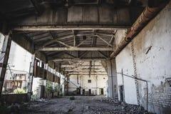 Övergiven fabrik, övergett warehous Royaltyfri Foto