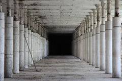 Övergiven fabrik Arkivfoto
